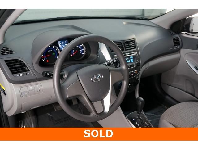 2017 Hyundai Accent 4D Sedan - 504438 - Image 18