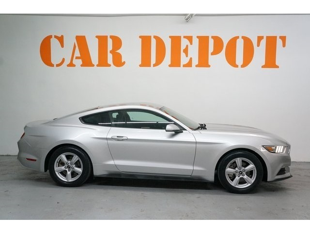 2015 Ford Mustang 2D Coupe - 504600 - Image 8