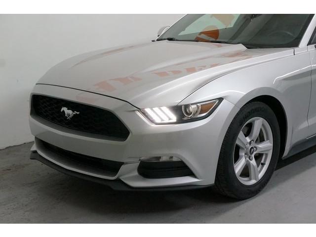 2015 Ford Mustang 2D Coupe - 504600 - Image 10