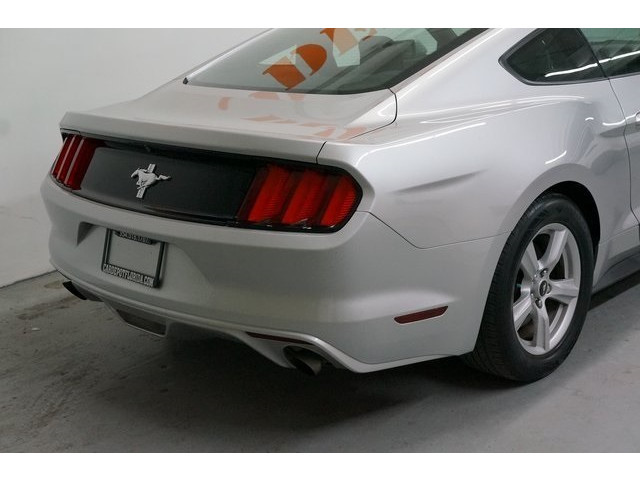 2015 Ford Mustang 2D Coupe - 504600 - Image 12