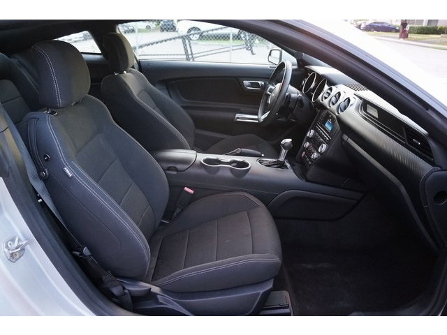 2015 Ford Mustang 2D Coupe - 504600 - Image 25