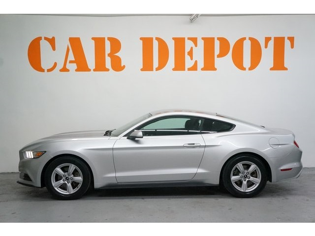 2015 Ford Mustang 2D Coupe - 504600 - Image 4