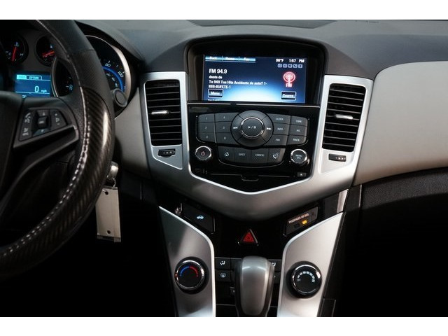 2016 Chevrolet Cruze Limited 4D Sedan - 504634S - Image 32