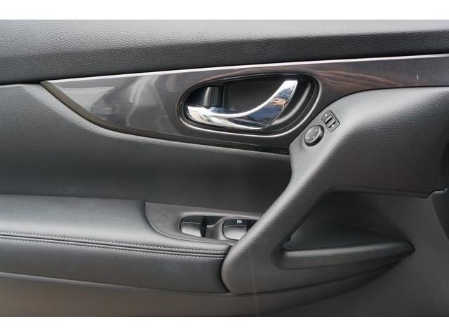 2018 Nissan Rogue 4D Sport Utility - 504650 - Image 16