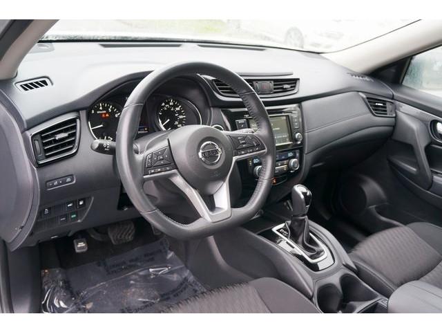 2018 Nissan Rogue 4D Sport Utility - 504650 - Image 17