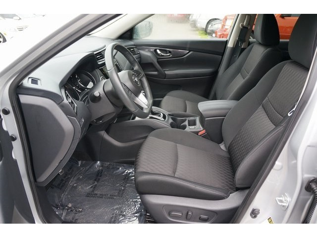 2018 Nissan Rogue 4D Sport Utility - 504650 - Image 18