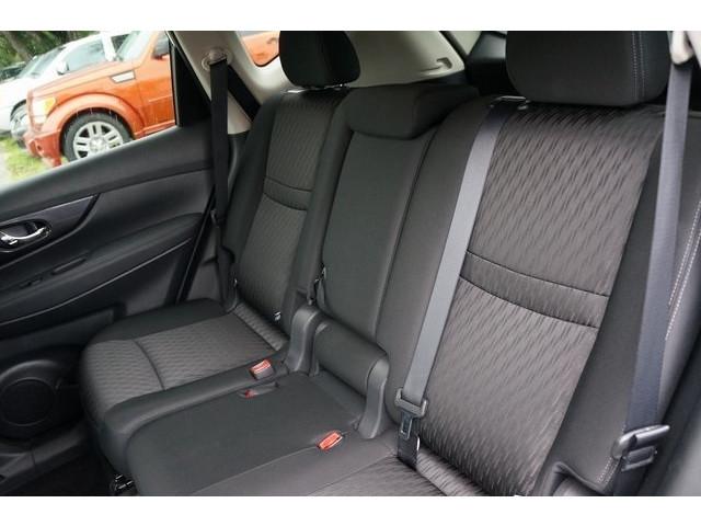 2018 Nissan Rogue 4D Sport Utility - 504650 - Image 24