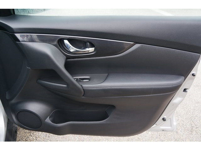 2018 Nissan Rogue 4D Sport Utility - 504650 - Image 26