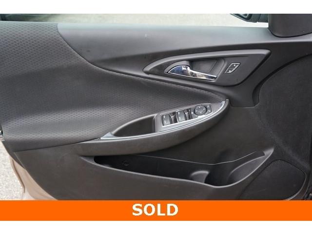 2018 Chevrolet Malibu 1LT 4D Sedan - 504652S - Image 15