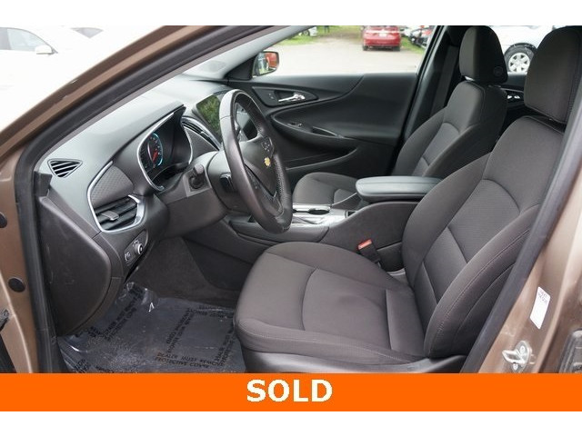 2018 Chevrolet Malibu 1LT 4D Sedan - 504652S - Image 18