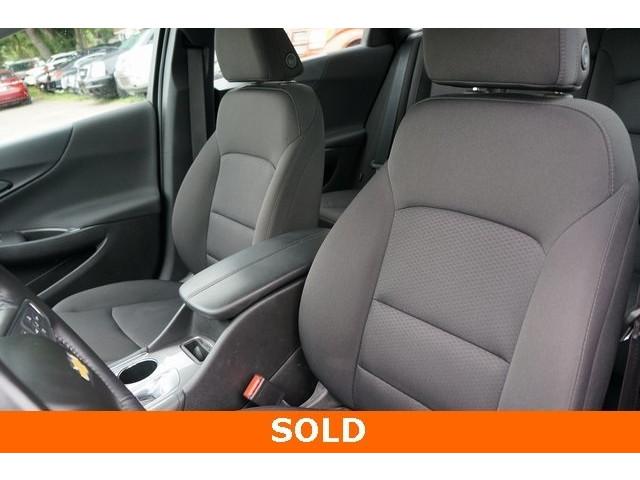 2018 Chevrolet Malibu 1LT 4D Sedan - 504652S - Image 19