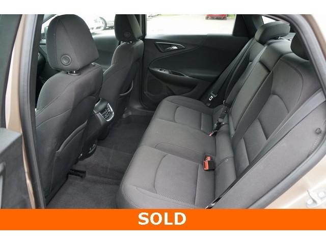 2018 Chevrolet Malibu 1LT 4D Sedan - 504652S - Image 23