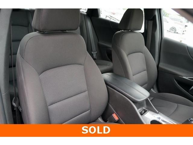 2018 Chevrolet Malibu 1LT 4D Sedan - 504652S - Image 27
