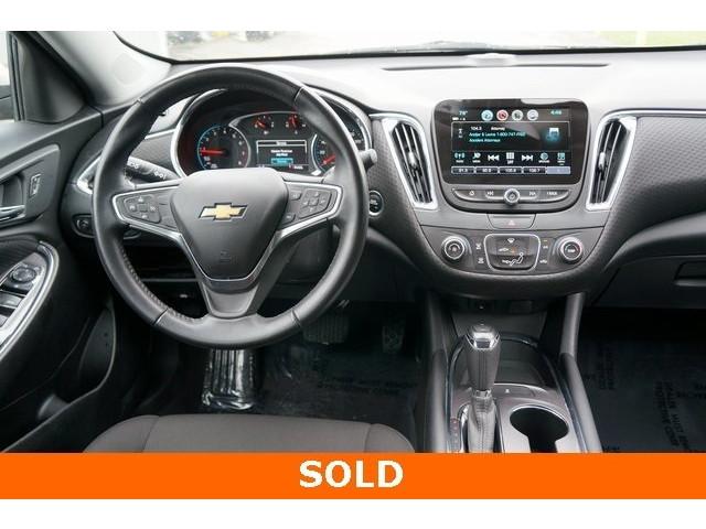 2018 Chevrolet Malibu 1LT 4D Sedan - 504652S - Image 31