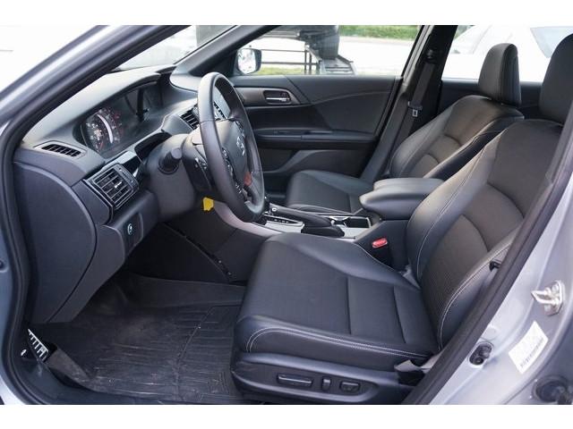 2017 Honda Accord 4D Sedan - 504785D - Image 19