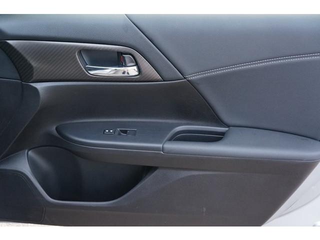 2017 Honda Accord 4D Sedan - 504785D - Image 25