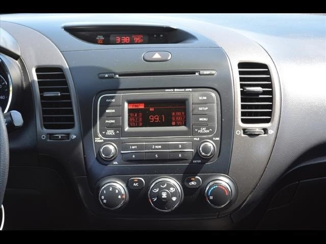2014 Kia Forte  4D Sedan  - 502054F - Image 10