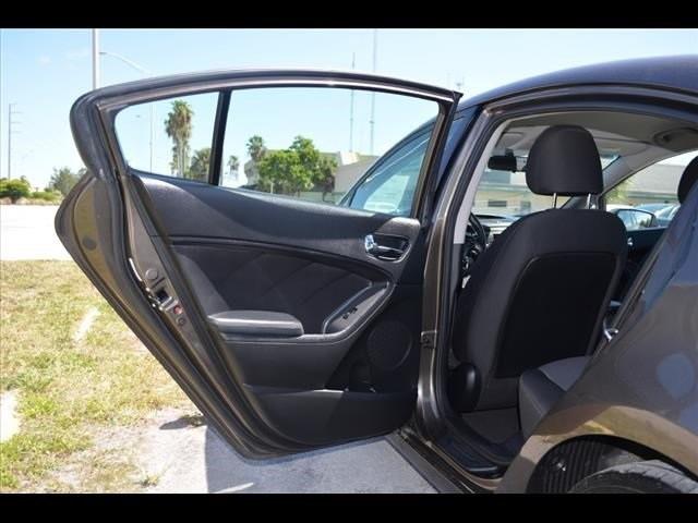 2014 Kia Forte  4D Sedan  - 502054F - Image 20