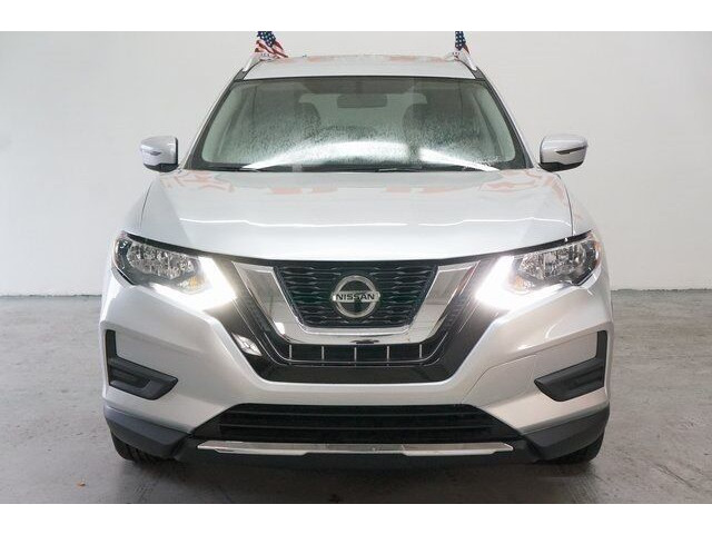 2018 Nissan Rogue SV Crossover - 504650 - Image 2
