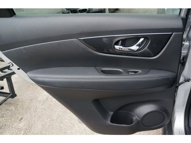2018 Nissan Rogue SV Crossover - 504650 - Image 22