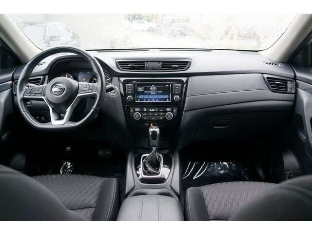 2018 Nissan Rogue SV Crossover - 504650 - Image 30