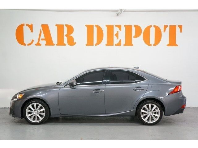2015 Lexus IS 250 250 Sedan - 504374 - Image 4