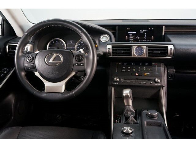 2015 Lexus IS 250 250 Sedan - 504374 - Image 31