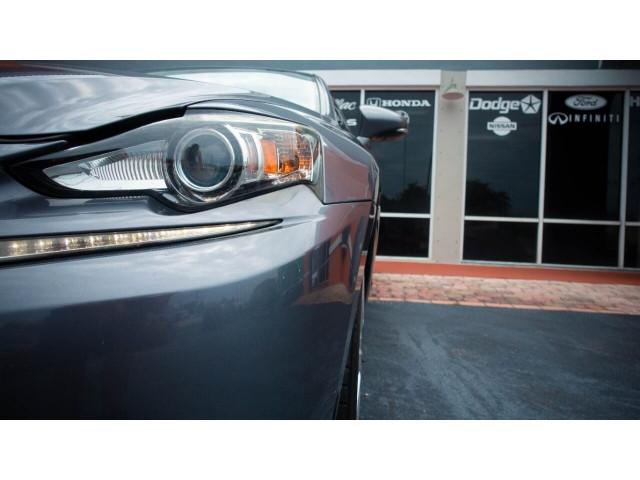 2015 Lexus IS 250 250 Sedan - 504374 - Image 5