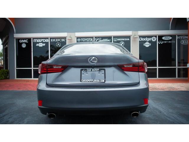 2015 Lexus IS 250 250 Sedan - 504374 - Image 13