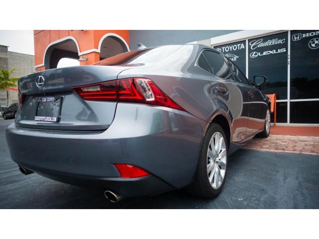 2015 Lexus IS 250 250 Sedan - 504374 - Image 15