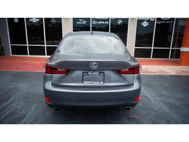 2015 Lexus IS 250 250 Sedan - 504374 - Image 16