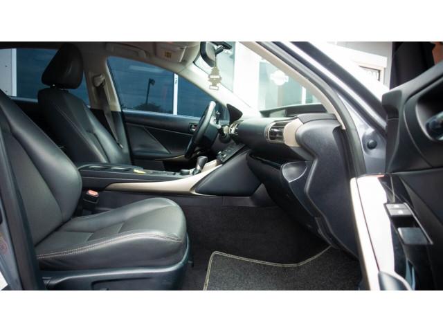 2015 Lexus IS 250 250 Sedan - 504374 - Image 24