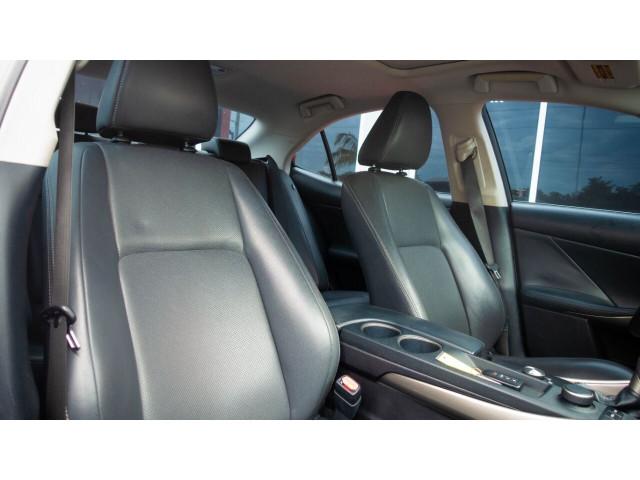 2015 Lexus IS 250 250 Sedan - 504374 - Image 25