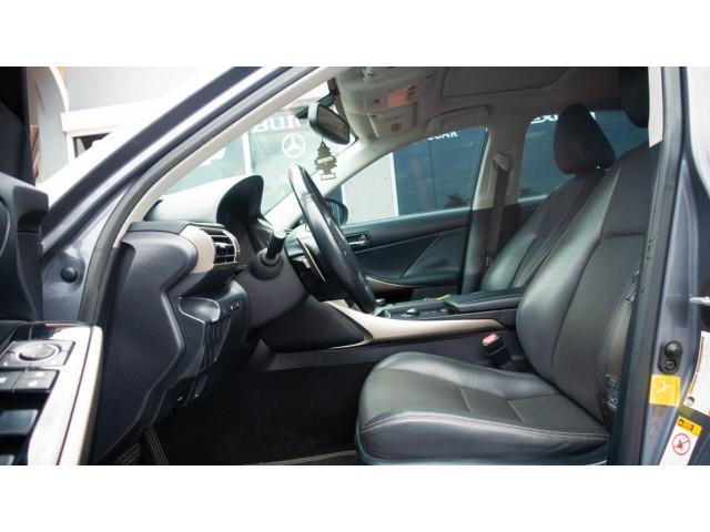 2015 Lexus IS 250 250 Sedan - 504374 - Image 26
