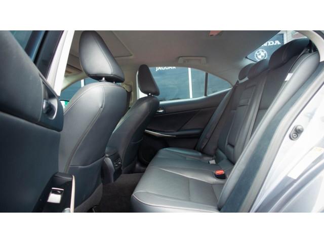 2015 Lexus IS 250 250 Sedan - 504374 - Image 27