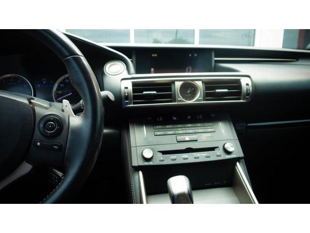 2015 Lexus IS 250 250 Sedan - 504374 - Image 29