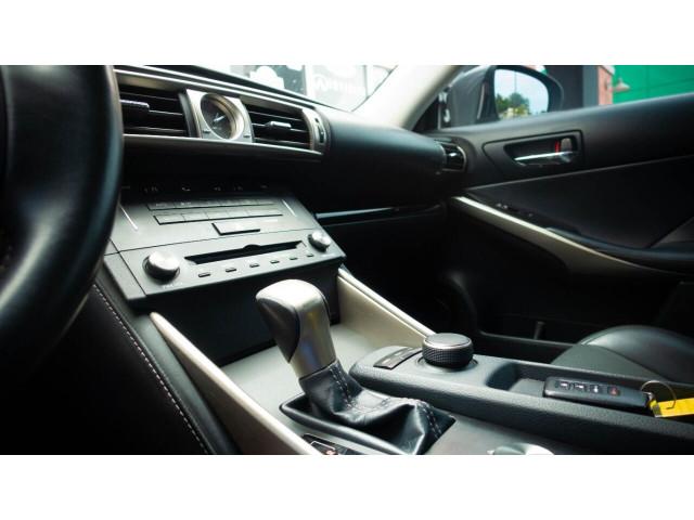 2015 Lexus IS 250 250 Sedan - 504374 - Image 30