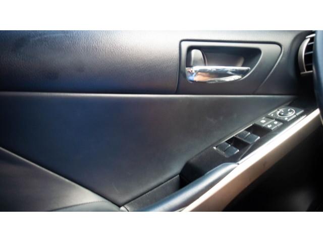 2015 Lexus IS 250 250 Sedan - 504374 - Image 31