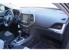 2014 Jeep Cherokee Latitude SUV - 504717S - Thumbnail 26