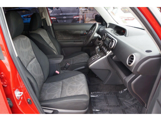 2014 Scion xB Base 4A Wagon - 300088H - Image 28