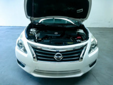 2015 Nissan Altima 2.5 S Sedan - 504501 - Thumbnail 4