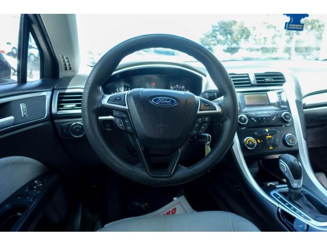 2014 Ford Fusion S Sedan - 380091c - Image 20