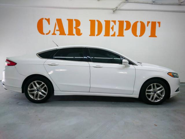 2014 Ford Fusion SE Sedan - 143086D - Image 3