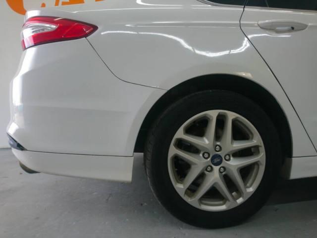 2014 Ford Fusion SE Sedan - 143086D - Image 10