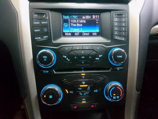 2014 Ford Fusion SE Sedan - 143086D - Image 28