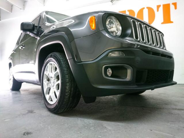 2018 Jeep Renegade Latitude SUV - G93025D - Image 5