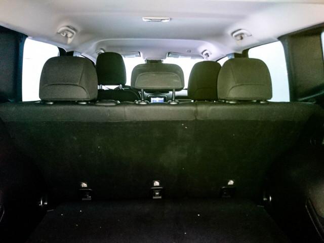 2018 Jeep Renegade Latitude SUV - G93025D - Image 27