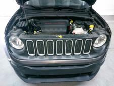 2018 Jeep Renegade Latitude SUV - G93025D - Thumbnail 12
