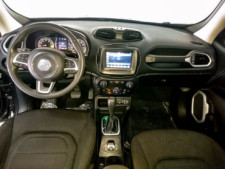 2018 Jeep Renegade Latitude SUV - G93025D - Thumbnail 29