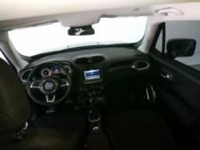 2018 Jeep Renegade Latitude SUV - G93025D - Thumbnail 32